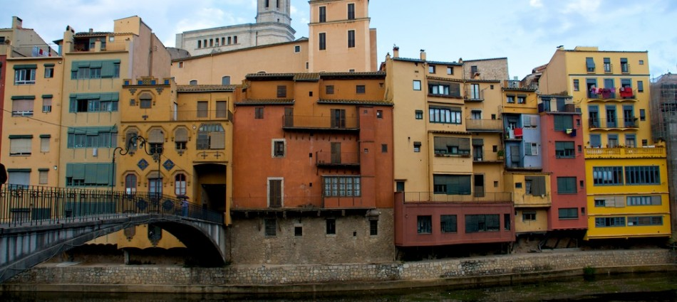 Guide to Girona Spain. It Rains in Spain.